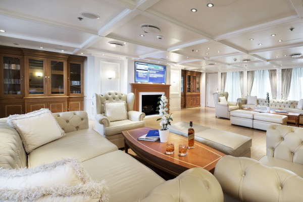 Image for article 72.4m RM Elegant sold by Camper & Nicholsons
