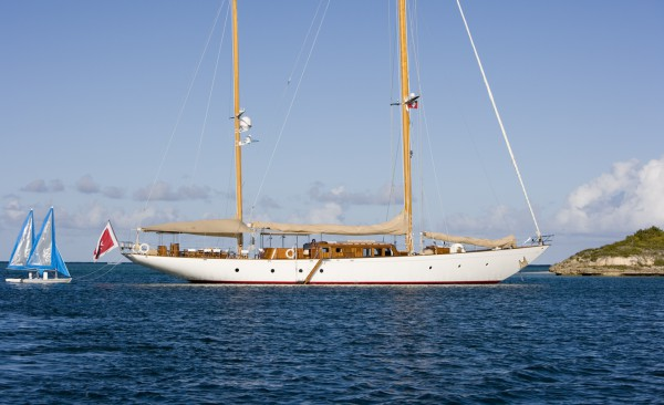 Image for article 1963 'classic' S/Y Tiziana listed for sale with Camper & Nicholsons