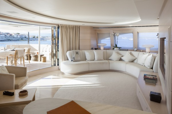 Image for article €1.5 million price reduction on 44m Sibelle