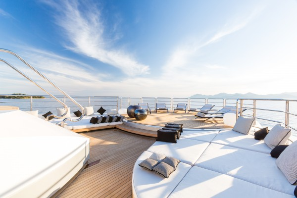 Image for article Superyacht 'Suerte' on the market