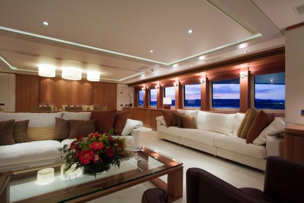 Image for article Heesen's 44m 'San Bernardo' sold