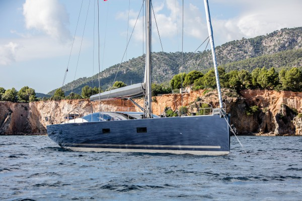 Image for article Vitters delivers 33m performance sailing yacht 'Missy'