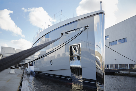 Image for article Feadship launch the first of three 34m superyachts