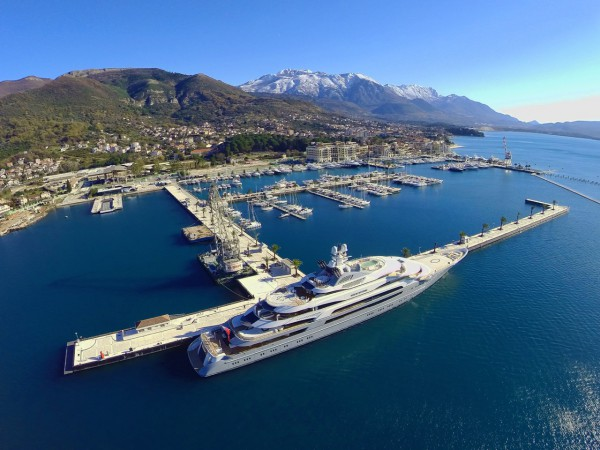 Image for article The world's largest superyacht berth