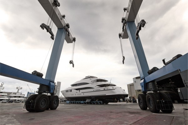 Image for article Mondomarine in dire straits