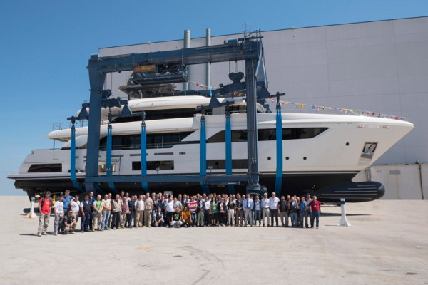Image for article Ferretti Group launches 3rd Navetta 37
