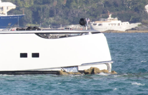 Image for article Dynamiq's 38.6m 'Jetsetter' runs aground in Bermuda