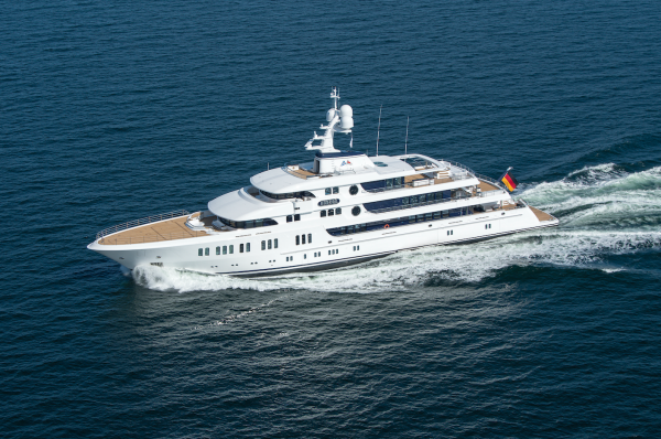 Image for article Lürssen delivers 74m 'Aurora'