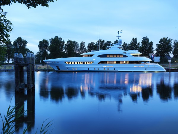 Image for article Heesen Yachts announces the delivery of 47m 'Book Ends'