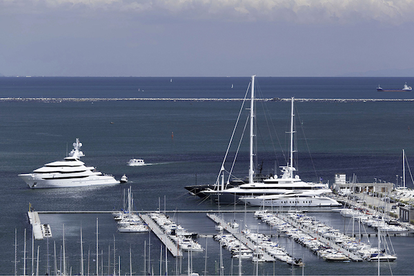 Image for article New superyacht berths at Porto Mirabello