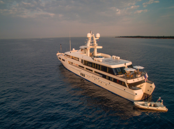 Image for article Depth added to 60m+ Feadship re-sale market