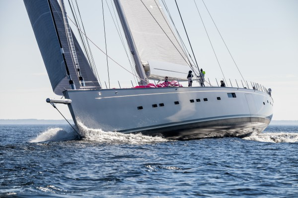 Image for article Glasses raised for superyacht Pink Gin VI
