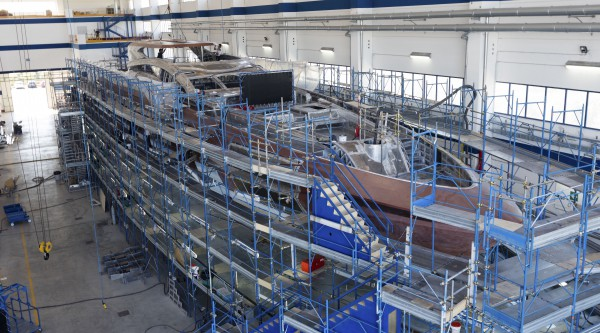 Image for article Mangusta GranSport 54, an in-build update