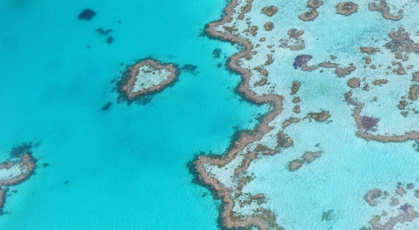 Image forAustralian Government opens up the iconic Great Barrier Reef to superyachts