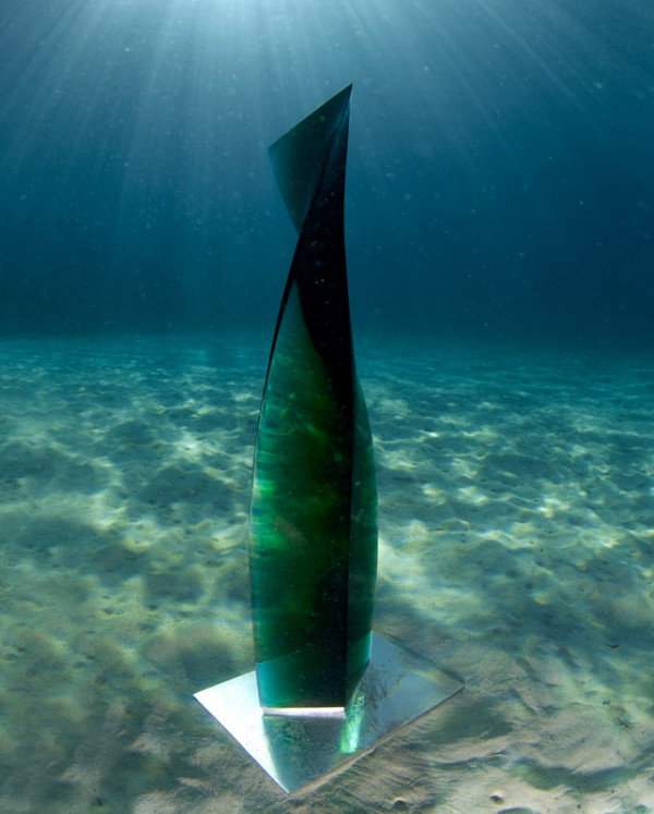 Image for article Submarine glass