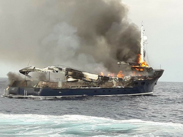Image for article  Fire sinks 35m M/Y 'Koi' in Greece
