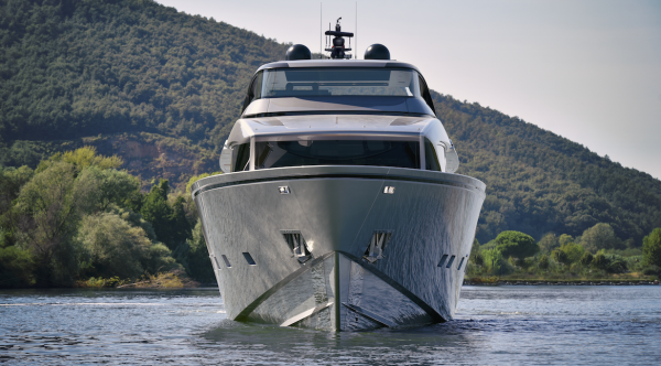 Image for article Isoclima debuts extra-large marine window