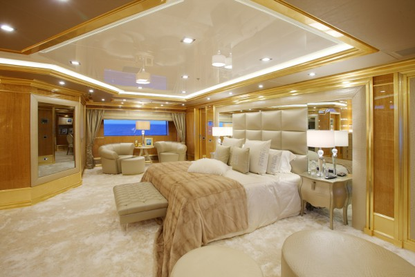 Image for article Benetti's 59.3m Lady Luck sold