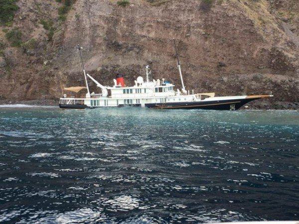 Image for article Saba responds to yacht grounding