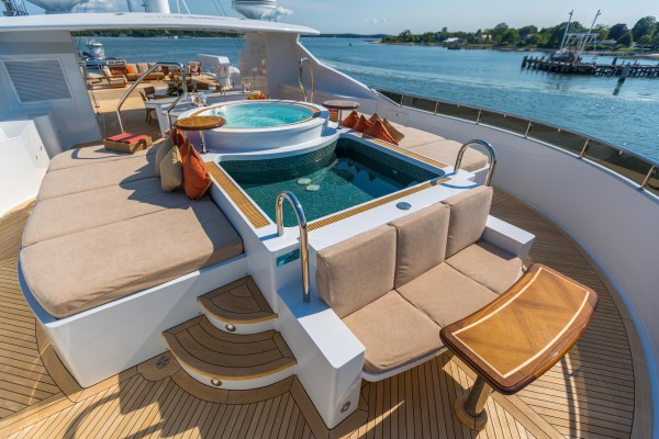 Image for article M/Y 'Skyfall' sold