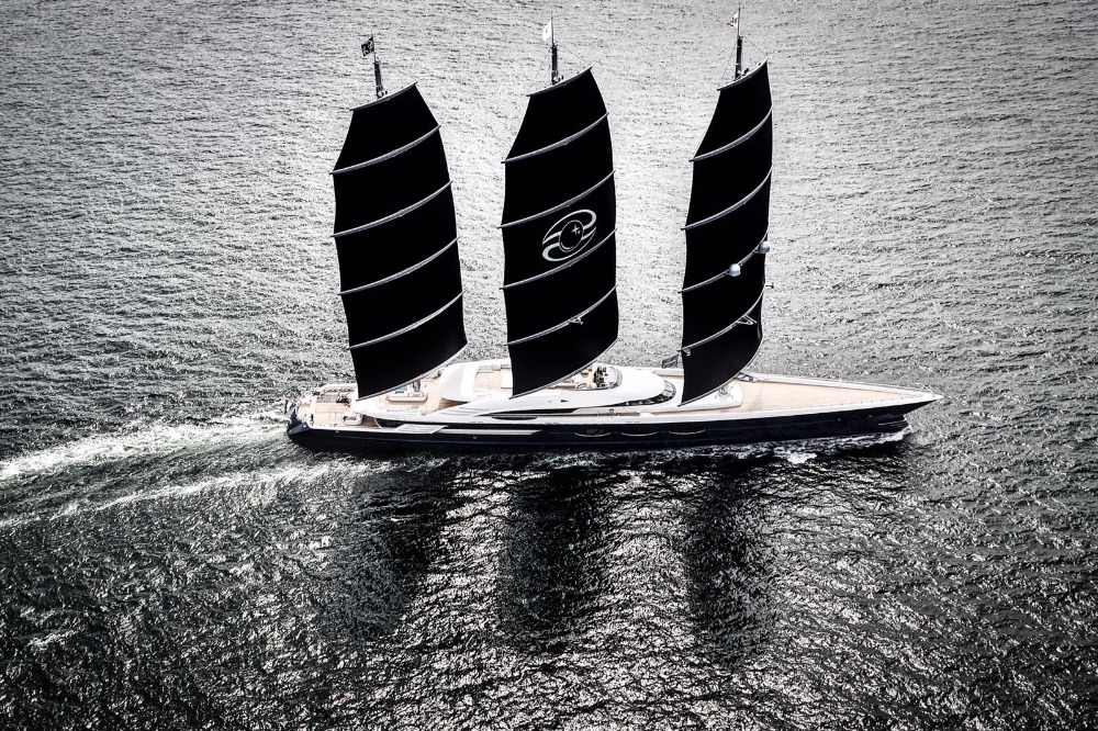 Superyachtnews Com Fleet S Y Black Pearl Delivered