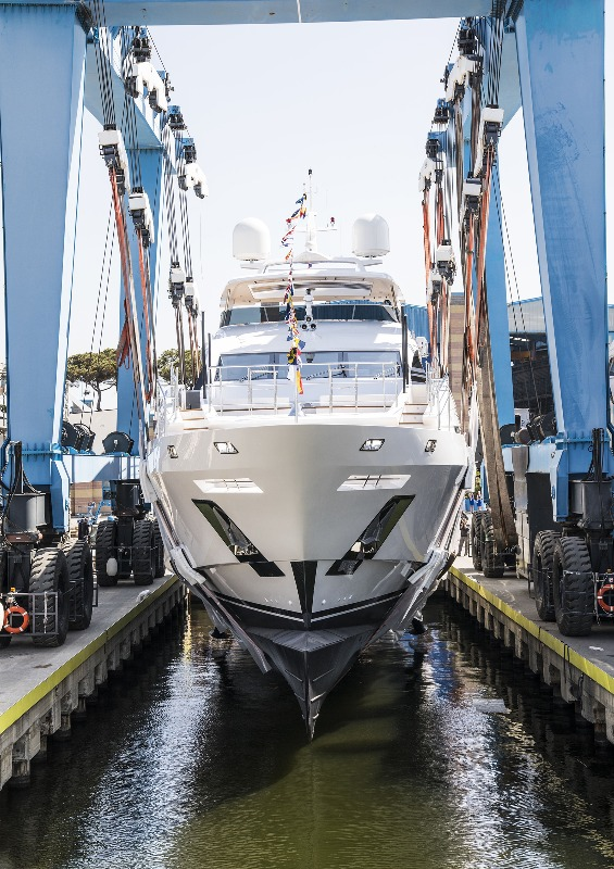 Image for article Benetti launches 42m M/Y 'Ironman'
