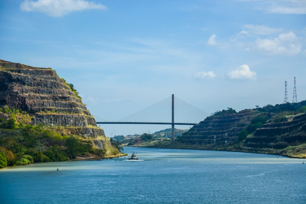 Image for article Transiting Panama Canal by superyacht