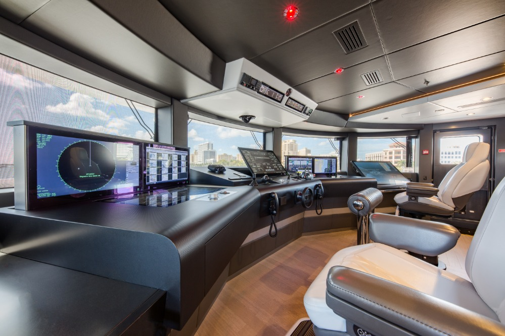Image for article TEAM Italia reveals bridge technology on board M/Y 'Spectre'
