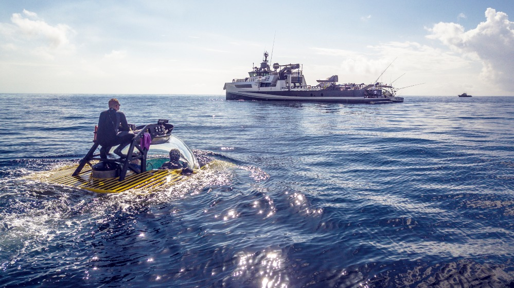 Image for article Operating submersibles on board