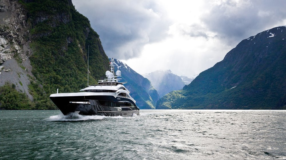 Image for article SuperyachtNews COVID-19 Advisory - HFW Briefing