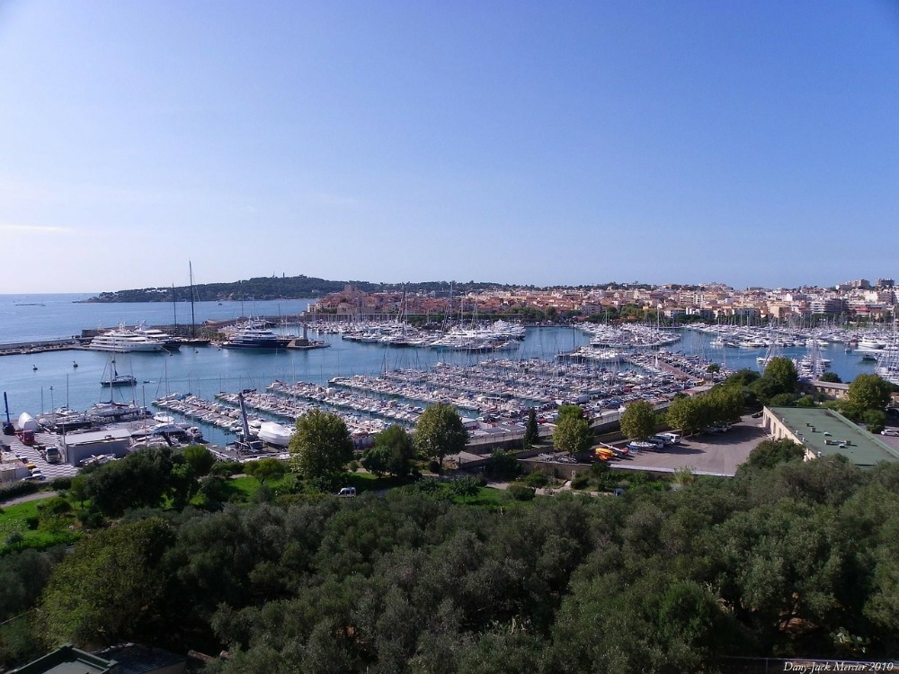 Image for article SuperyachtNews COVID-19 Advisory – yachts in the south of France