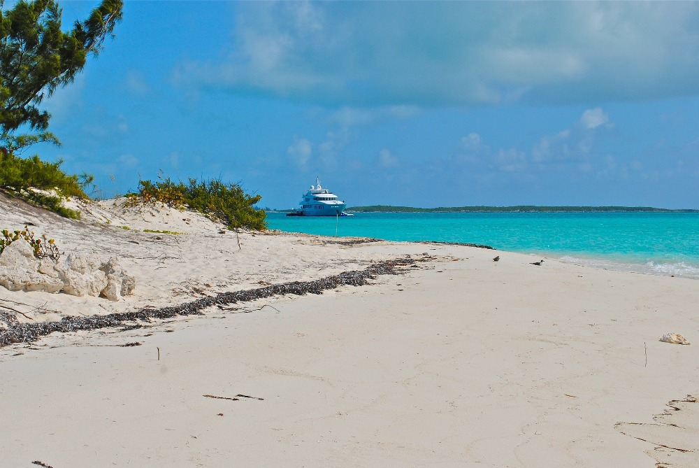 Image for article SuperyachtNews COVID-19 Advisory - protocols for boats in The Bahamas