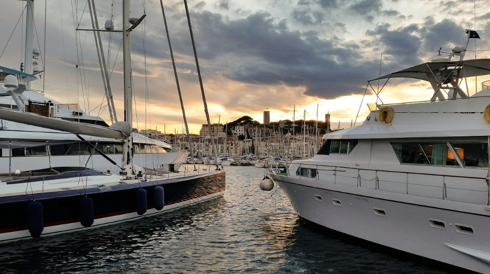 Image for article SuperyachtNews COVID-19 Advisory - Yachting activities in France