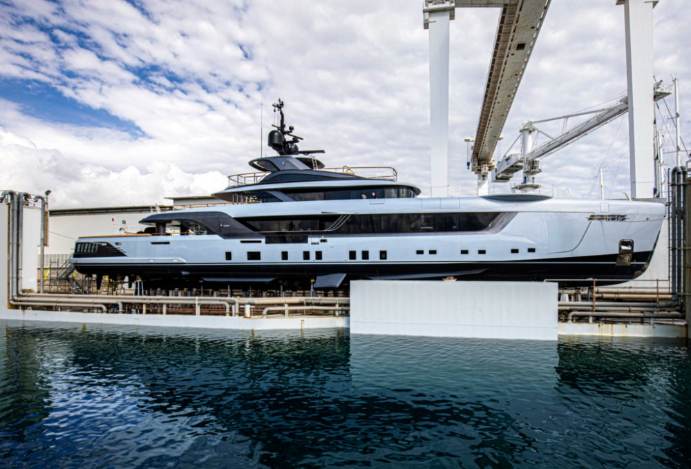 Image for article Admiral launches 55m motoryacht 'Geco'