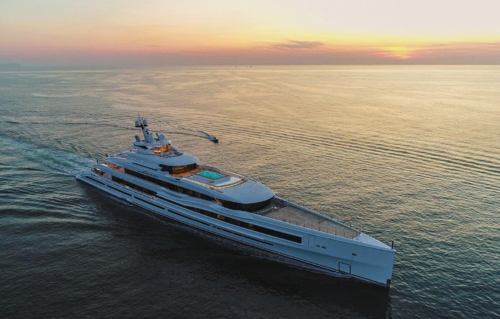 Image for article Benetti delivers 107m M/Y 'LANA'