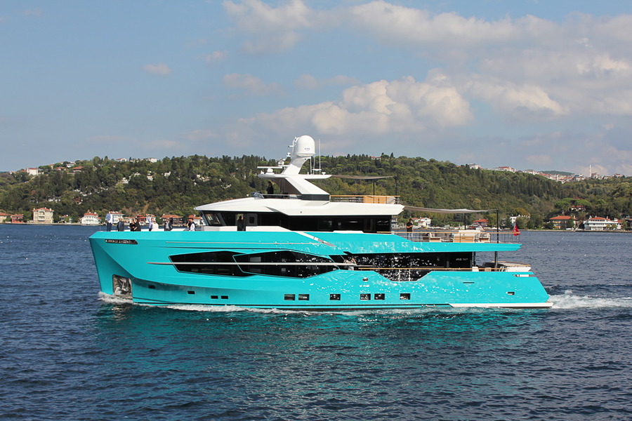 Image for article Numarine launches first 32XP yacht with Hot Lab-designed interior