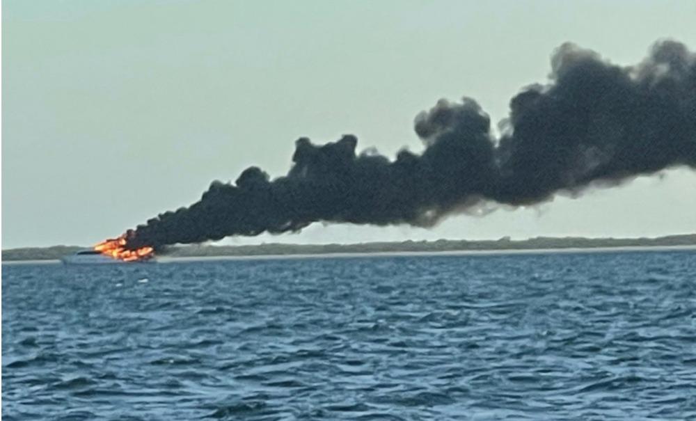 Image for article 30.78m La Dolce Vita sinks in marine sanctuary