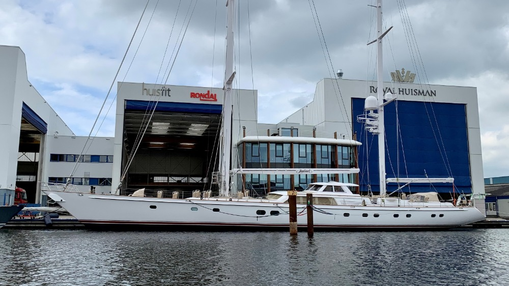 Image for article S/Y Juliet undergoes hybrid conversion