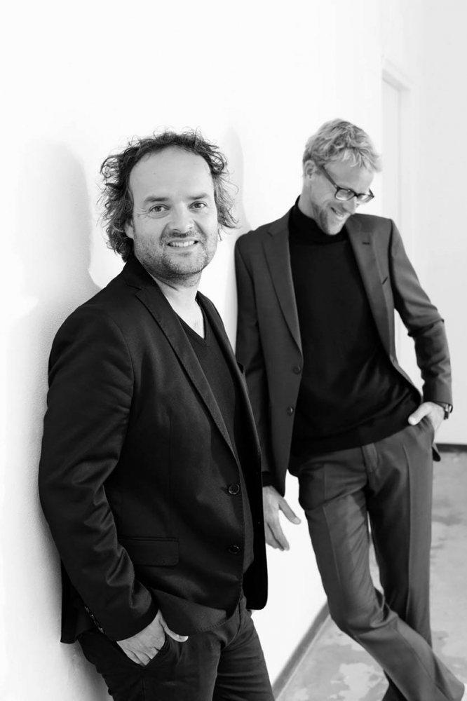Marnix J. Hoekstra &  Bart M. Bouwhuis